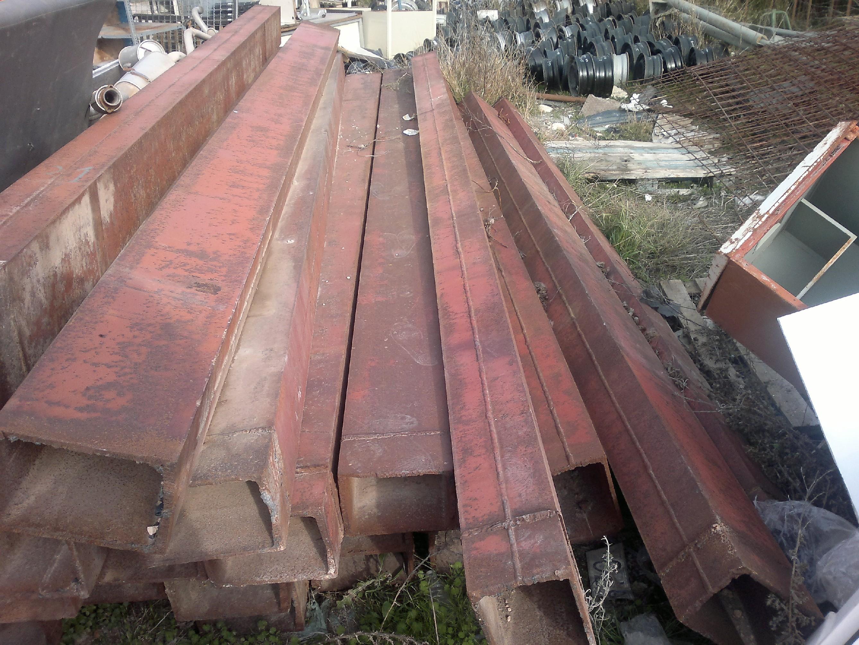 Venta de hierro usado en albacete vigas tubos angulos hierros de u objetos usados farolas - Pilares de hierro ...